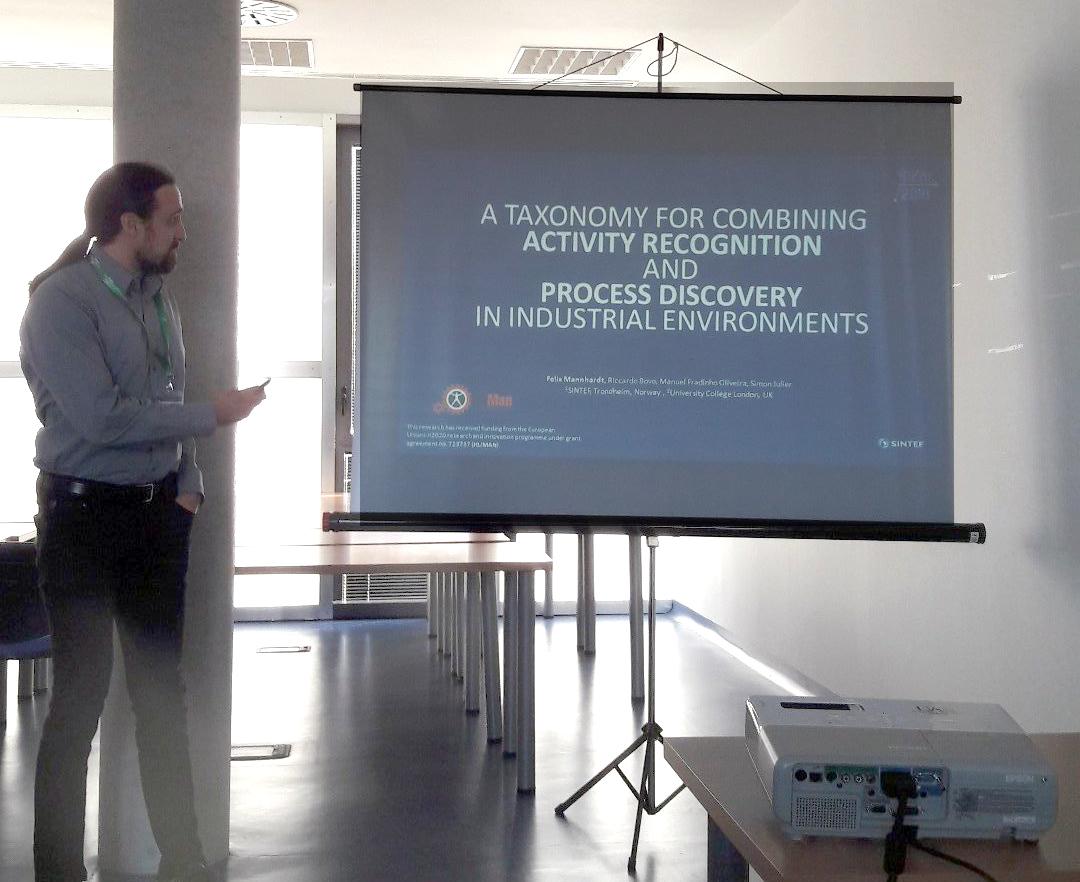 Felix Mannhardt giving presentation